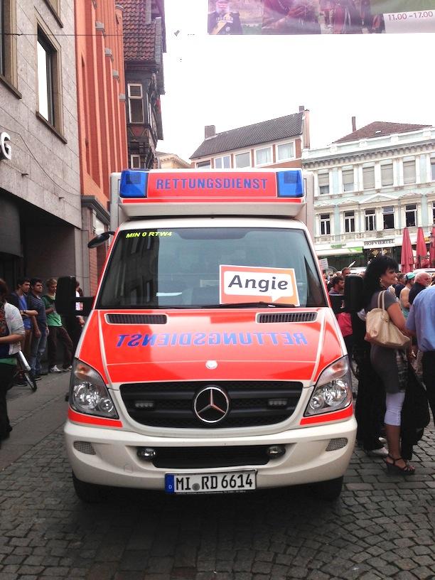 Auch der Mindener Rettungsdienst wählt anscheinend Angie Merkel.